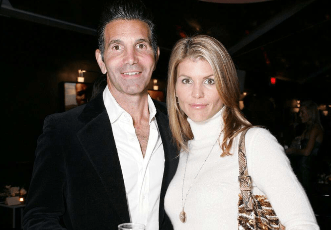Lori Loughlin's marriage to Mossimo Giannulli reportedly on the rocks